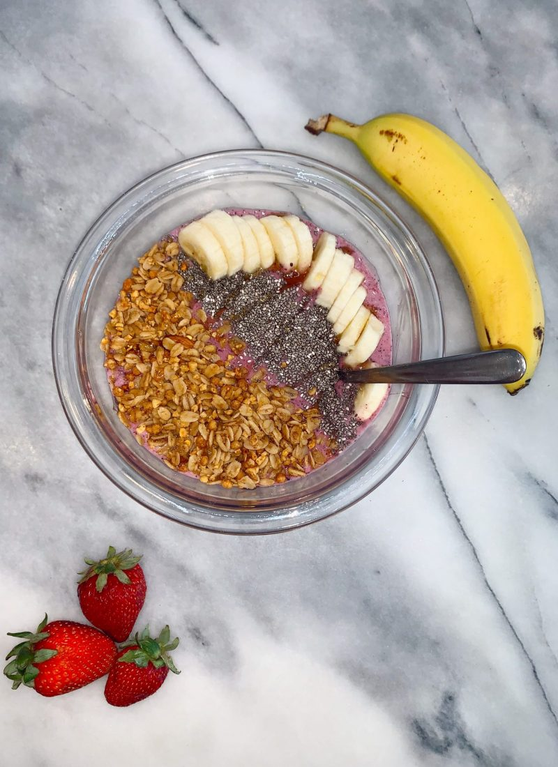 5 Ingredient Healthy Smoothie Bowl | The Best THICK Smoothie Recipe
